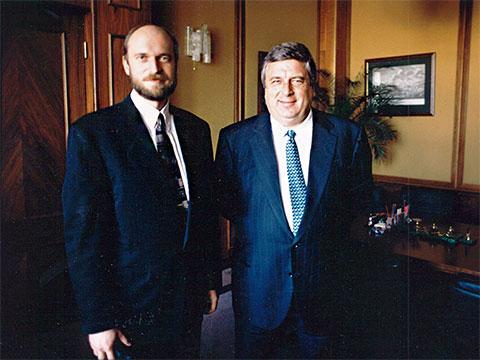 Сергей Пугачев и управляющий делами президента РФ Павел Павлович Бородин, 1990-е годы