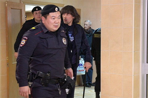 Андрея Кочуйкова доставляют в суд