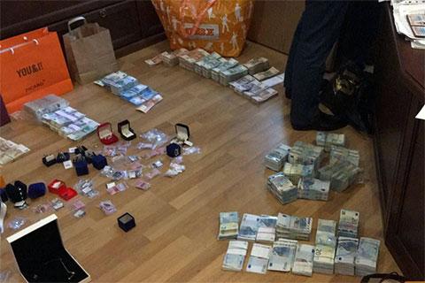 Обыски в жилищах Слабикова