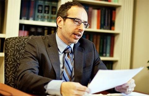 Адвокат Энтони Чекутти