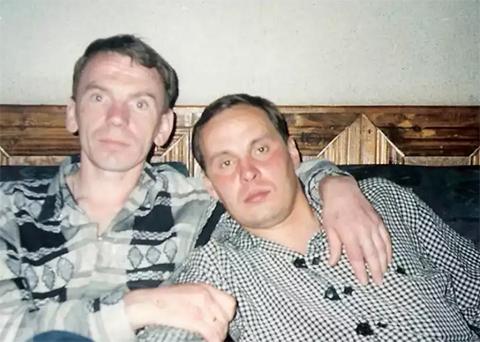 Слева воры в законе: Владимир Клещ (Щавлик), Александр Окунев (Саша Огонек), 22.05.1996, Белоруссия